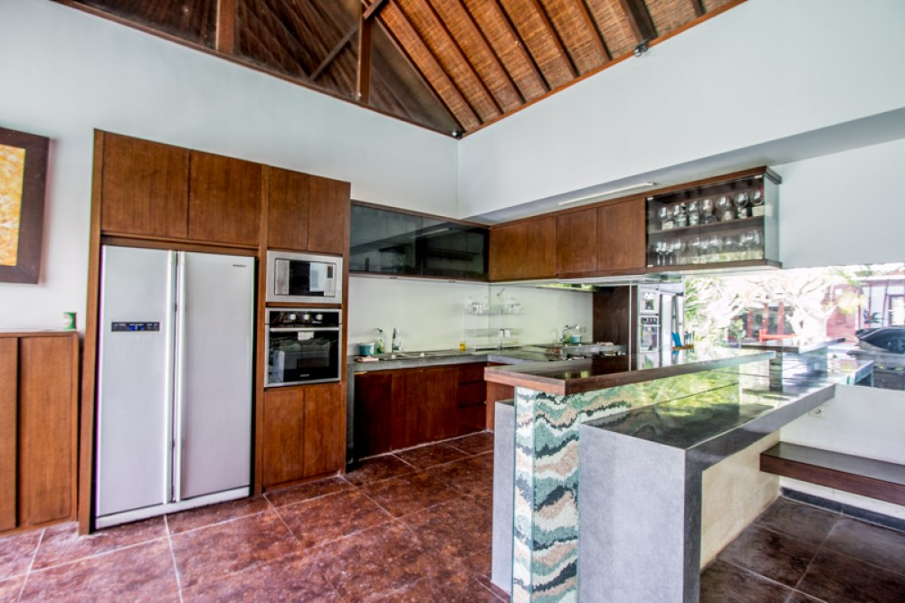 Amazing three level freehold villa for sale close to the beach