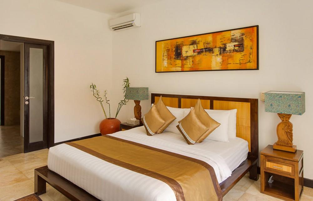 Villa 3 Kamar freehold menakjubkan untuk dijual dengan pemandangan laut di Tanjung Benoa