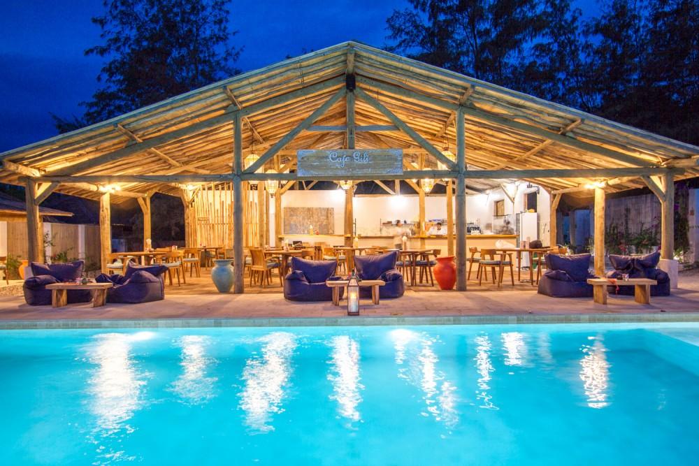Hotel-resor besar dijual di Gili