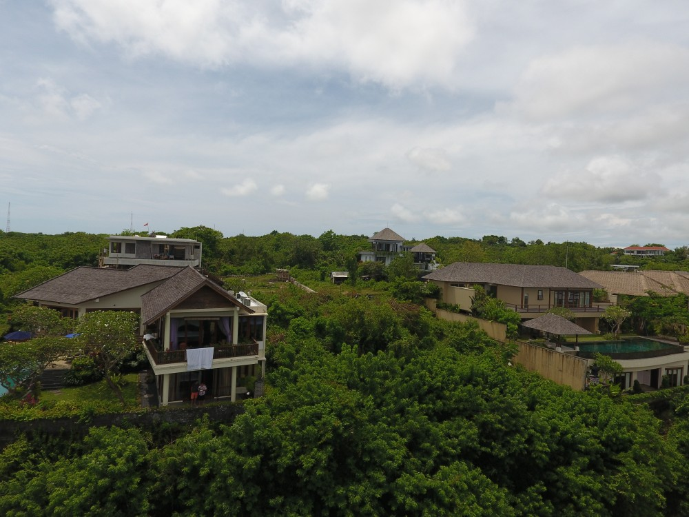 Exclusive freehold land with great view located in a residential area