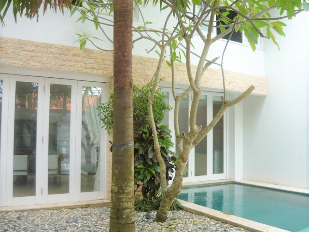beautiful villa for rent in berawa canggu (available on october )