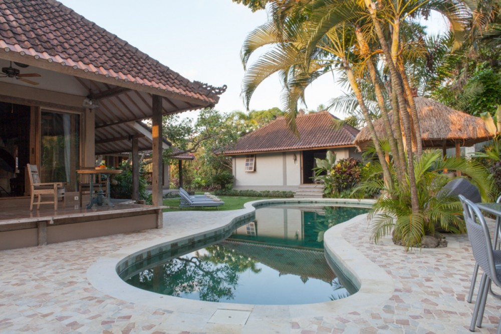 Good ROI five bedrooms villa for sale in prime location of Seminyak
