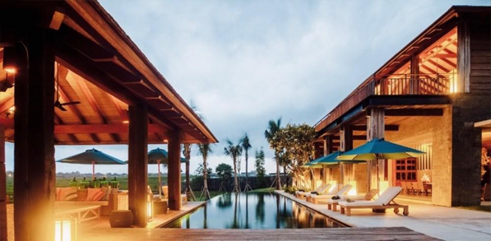 Exclusivité 7 chambre Freehold immobilier avec Ocean & rizière vue extraordinaire dans Cemagi