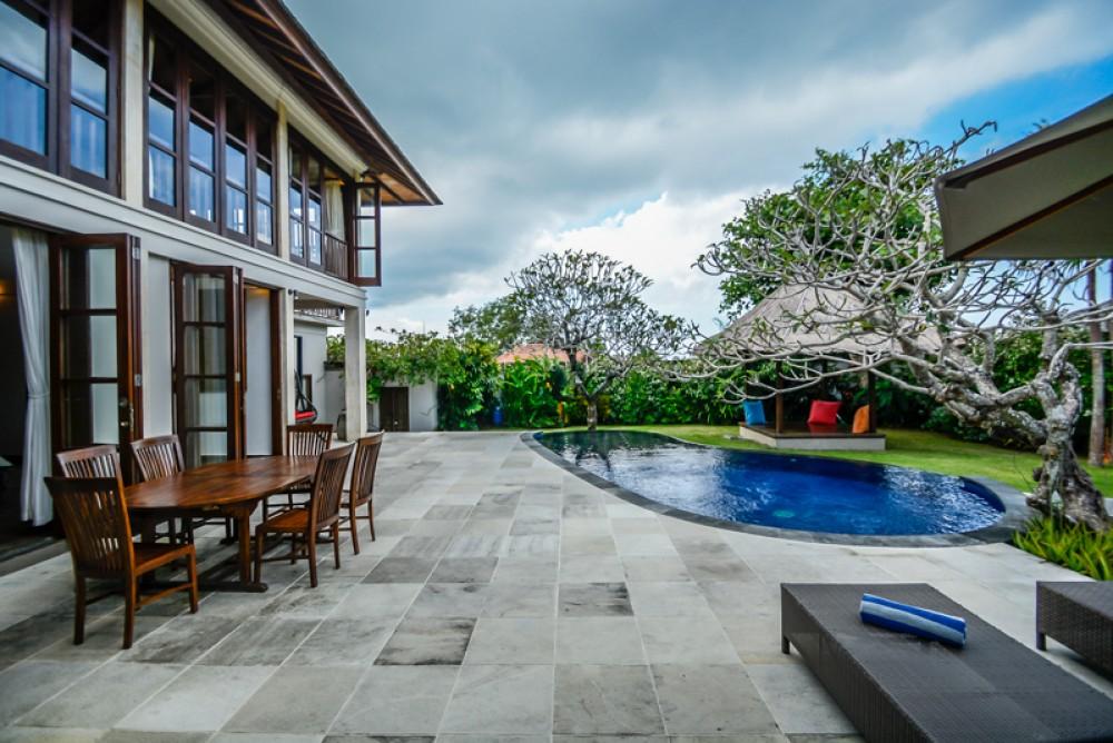 Super luxurious villa for sale in Ungasan