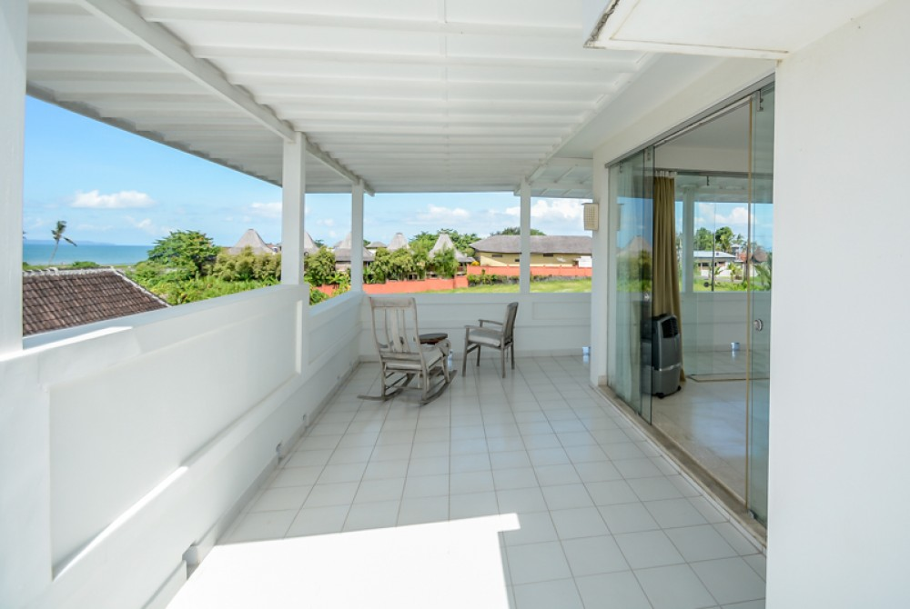 Beautiful 3 level ocean view villa for sale in Pererenan