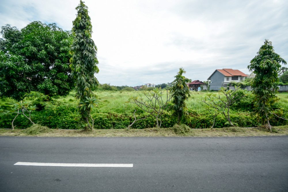 Ideal freehold plot of land for sale in Umalas lestari