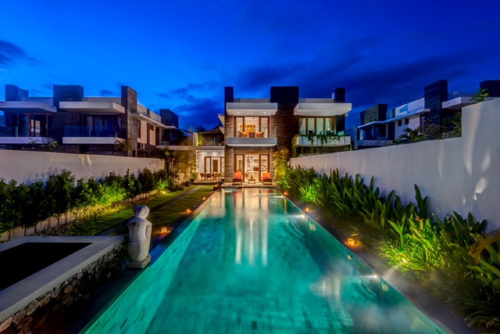 Luxurious 3 Bedrooms Freehold Beachfront Real Estate for Sale in Gianyar