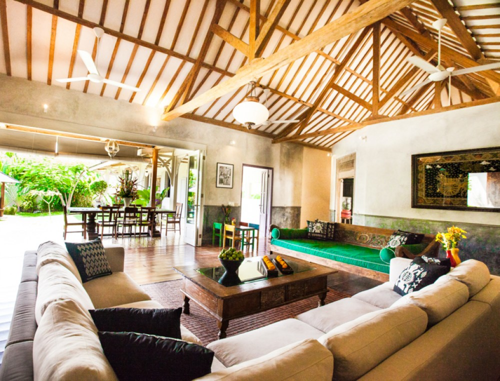 Beautiful six bedrooms spacious villa for sale in Umalas