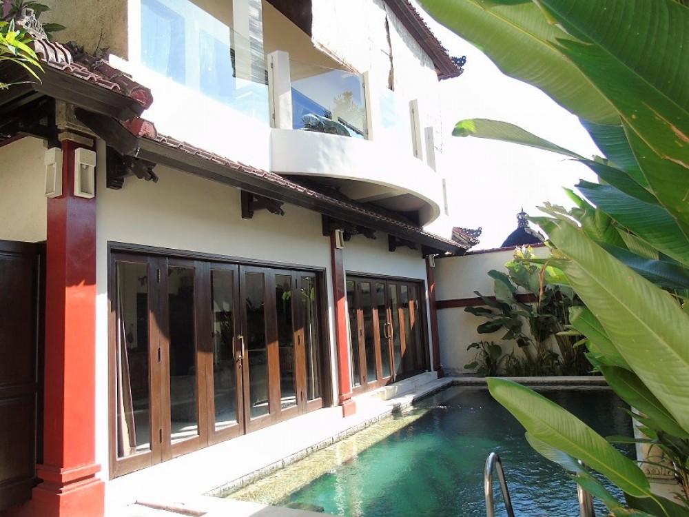 Cosy three bedroom villa in kerobokan area ( avalaible on August 2019 )