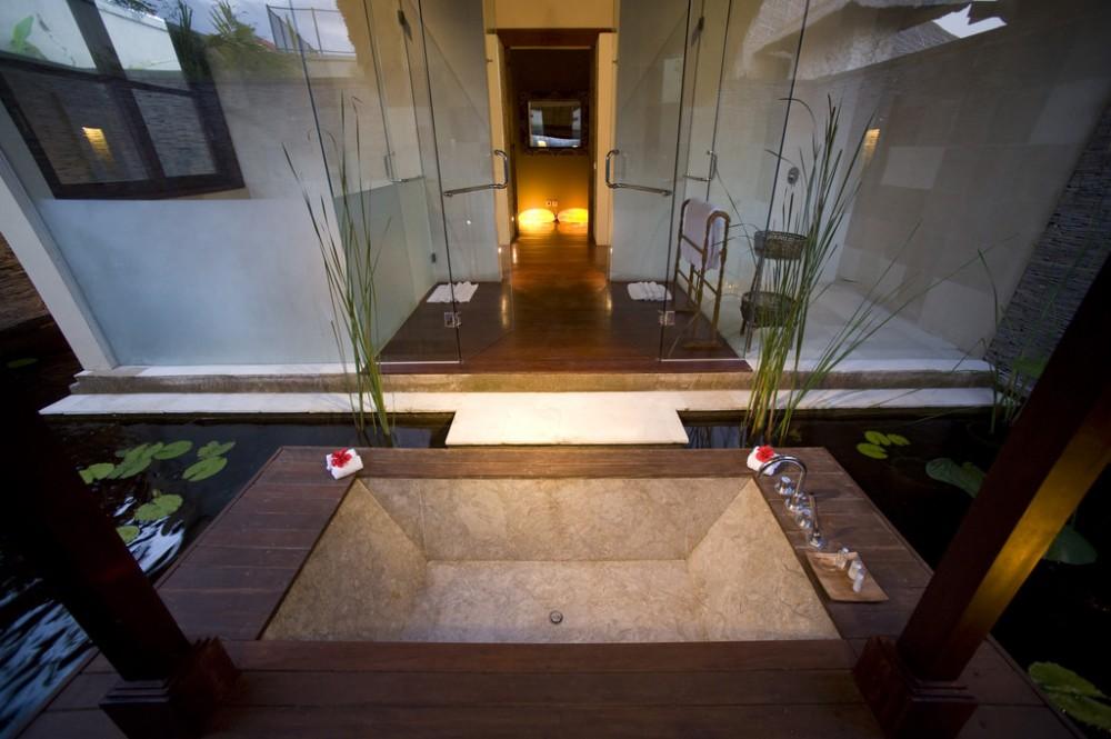 Amazing 5 Bedrooms Beachfront Real Estate in Canggu