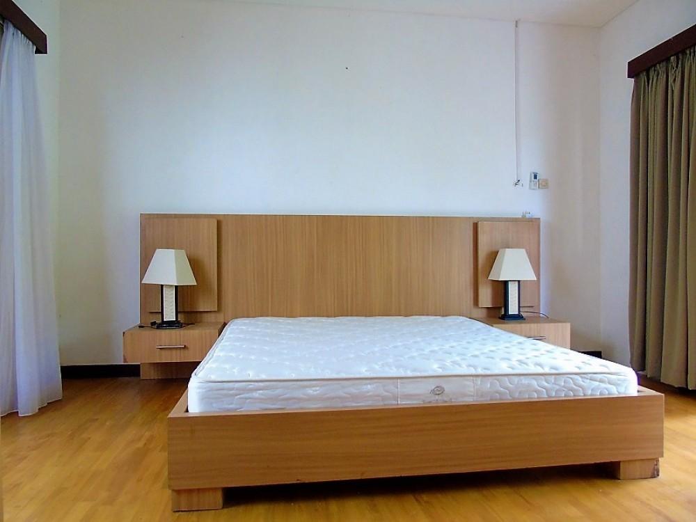 stunning three bedroom villa in great location umalas kerobokan