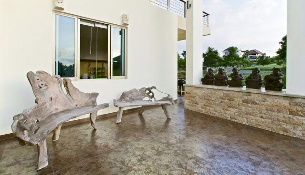 Amazing three level villa with nice view for sale in Bukit