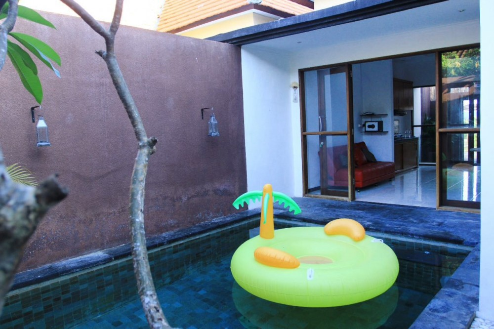 cozy lovely villa in sunset road seminyak