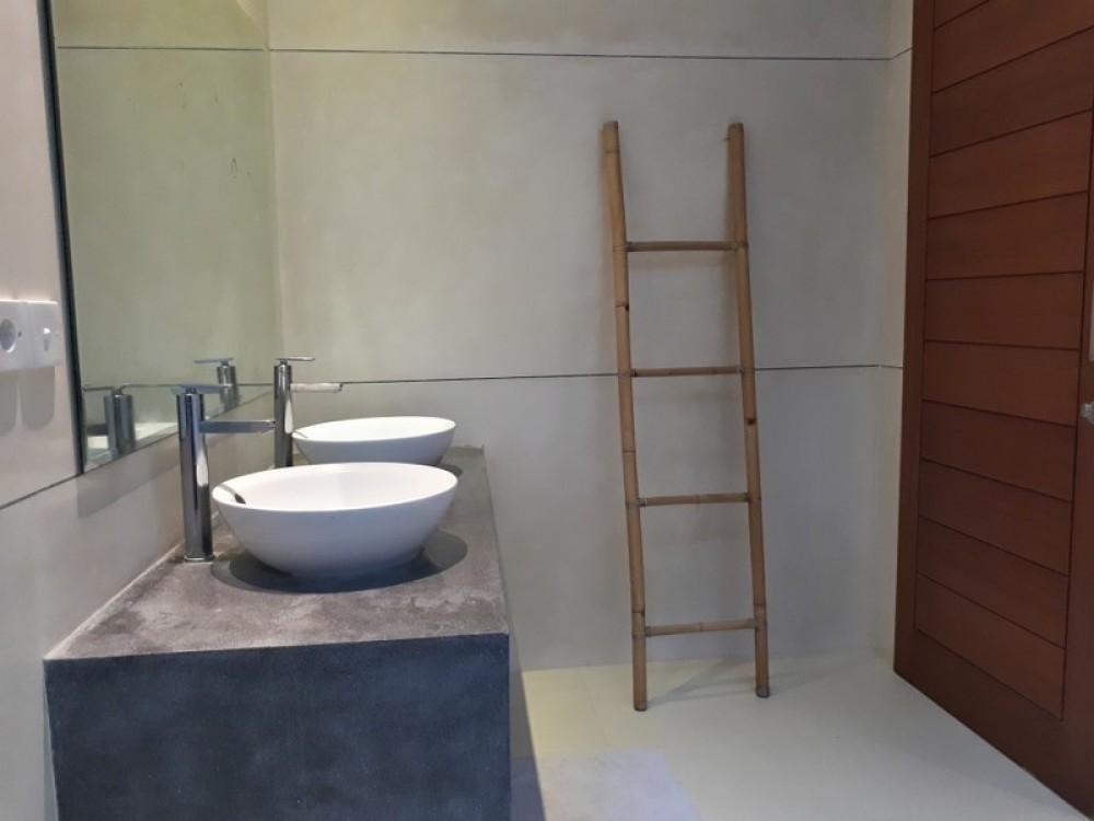 four bedroom villa for living walking distance to berawa beach canggu