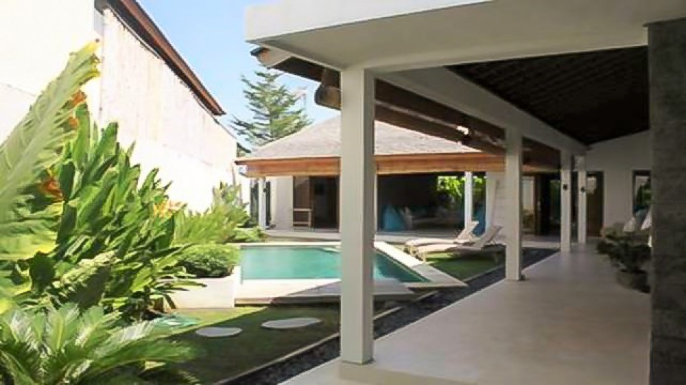 Beautiful three bedrooms freehold villa for sale in Canggu