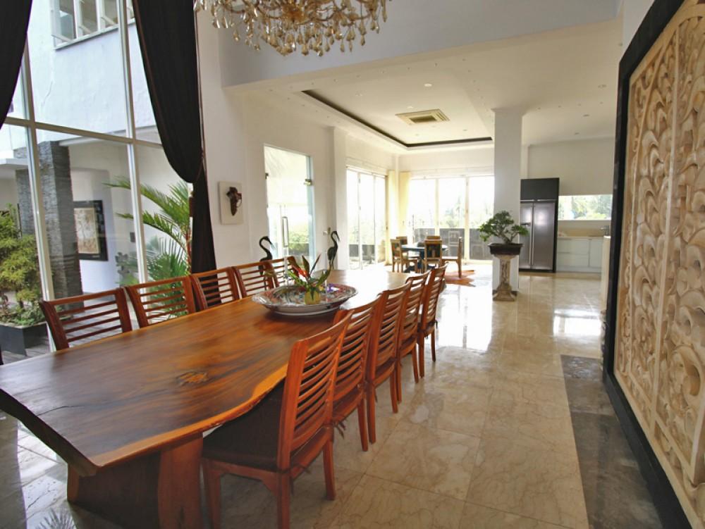 Ocean view villa in Balian Beach