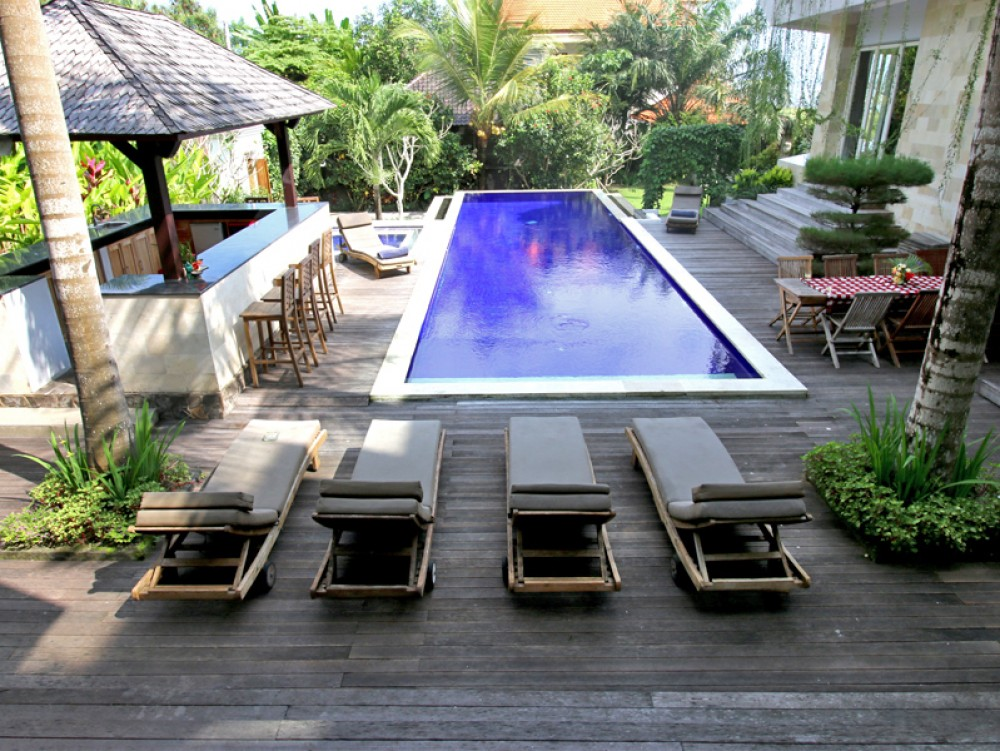 Villa dengan pemandangan laut di daerah Balian - Tabanan