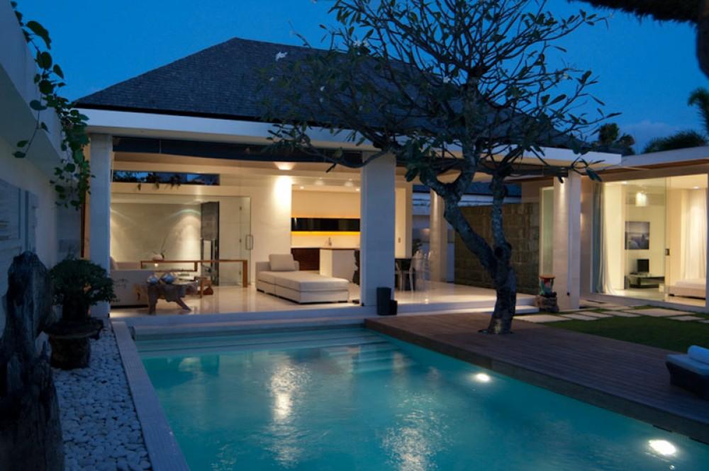 Stunning villa for sale in prime location of Seminyak - Kibarer Property