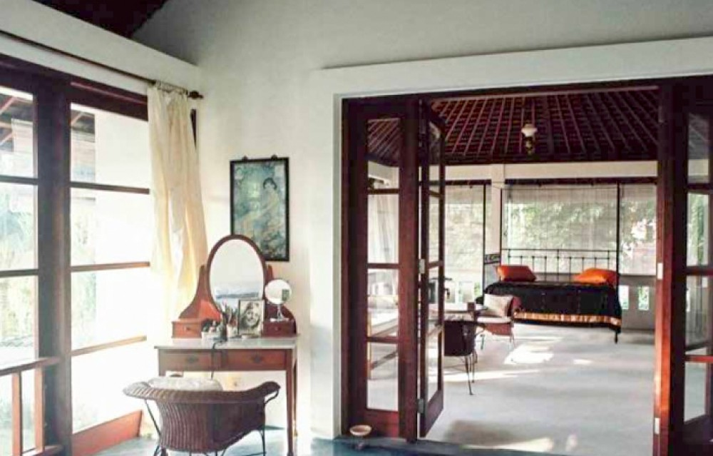 Relaxing villa for sale in the heart of Legian