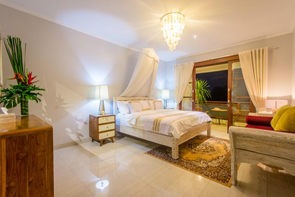 Luxury modern five bedrooms villa for sale in Canggu