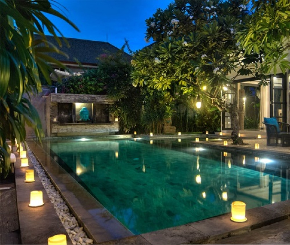 Luxury 4 Bedrooms Long Leasehold Real Estate For Sale in Seminyak