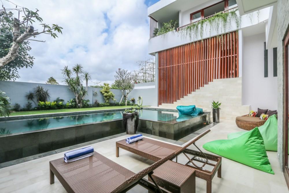 Vila freehold baru yang modern untuk dijual di Jimbaran