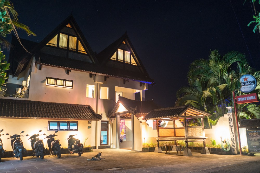 Ocean view boutique hotel for sale in Balian Beach