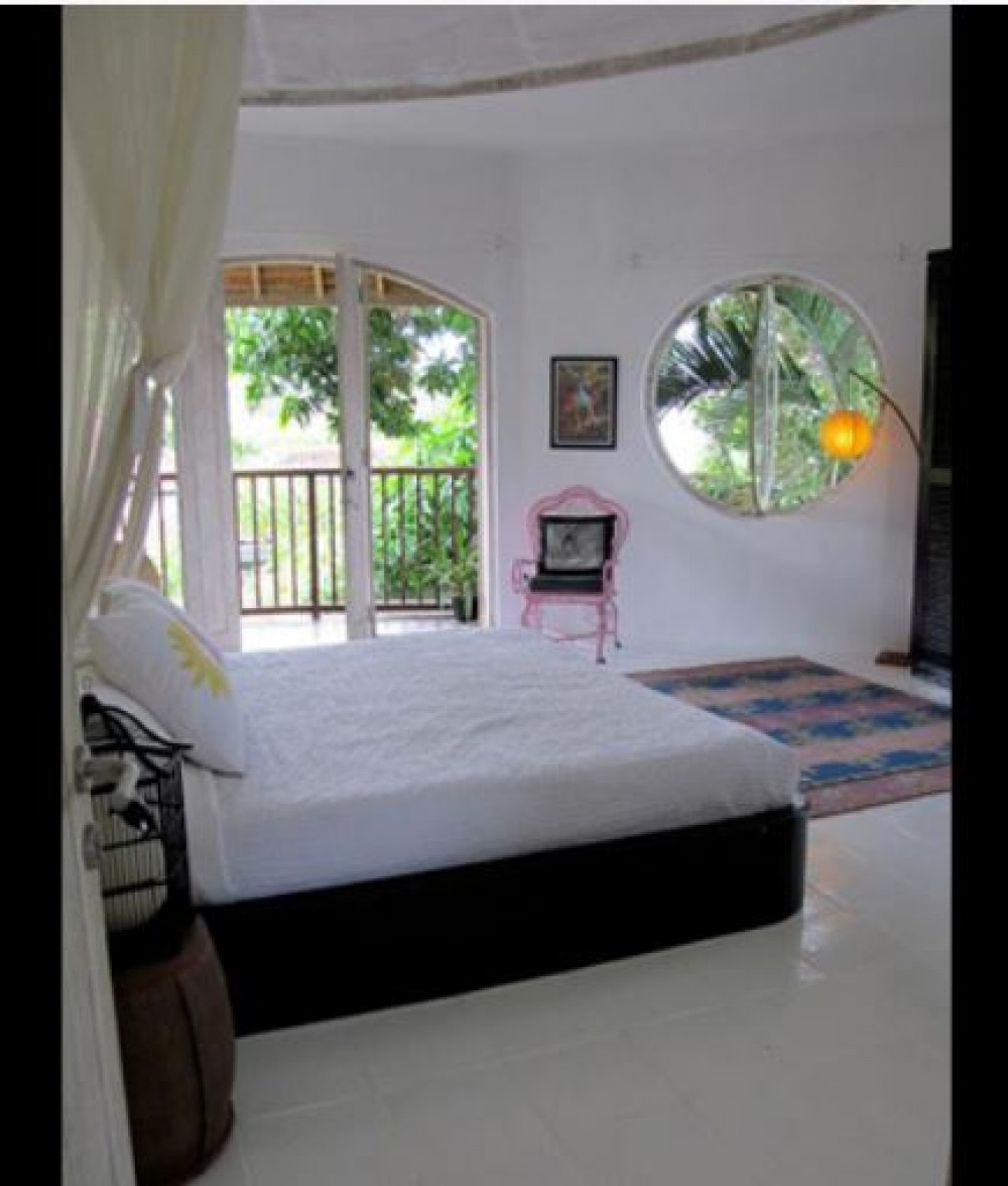 4 Bedroom Leasehold Designer Real Estate For Sale in Seminyak