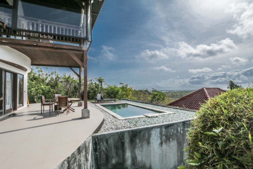 Spacious villa with ocean view for sale in Bukit