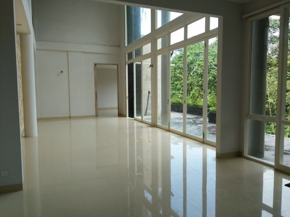 brand new five bedroom villa forest view near seseh beach