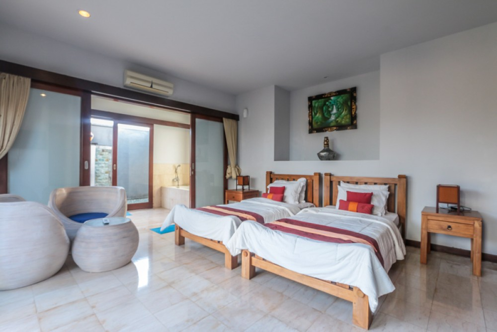 Spectacular Freehold Villa with Ocean View for sale in Nusa Dua