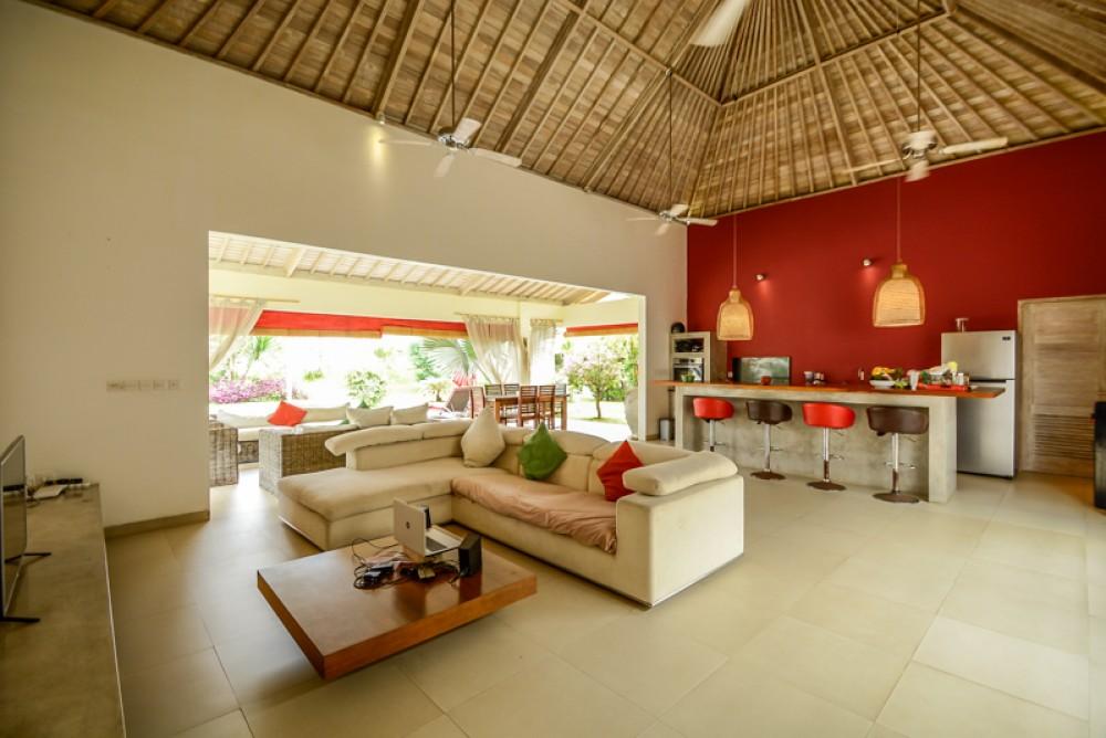 Charmantes villas tropicales de trois chambres à vendre à Bukit
