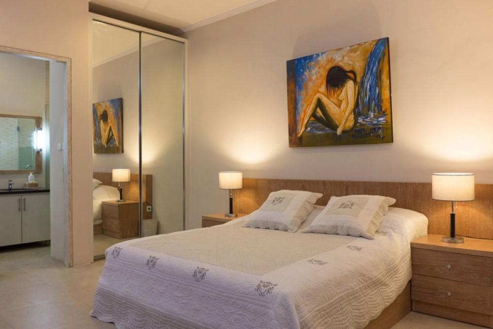 Tropical Minimalist Modern Villa for sale in Munggu