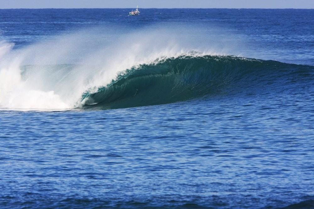 Sumbawa 18 Are Beachfront at Lakey Pipe
