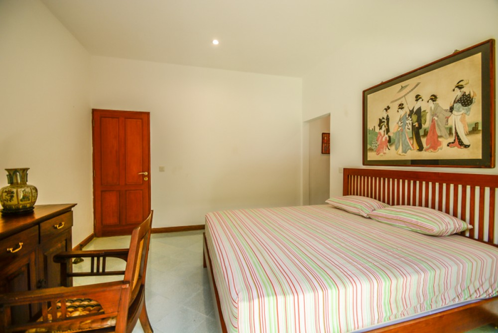 Villa 4 Kamar Tidur Terbaik Dijual di Batu Belig