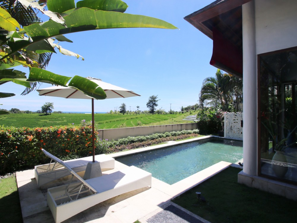 Adorable rice field view Two-bedroom villa