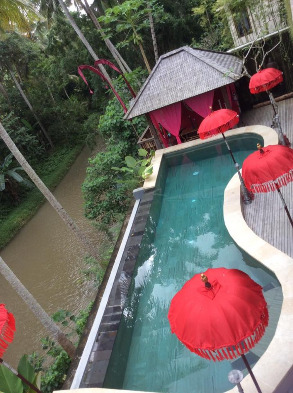 WONDERFUL  RIVER SIDE VILLA SOUTH UBUD