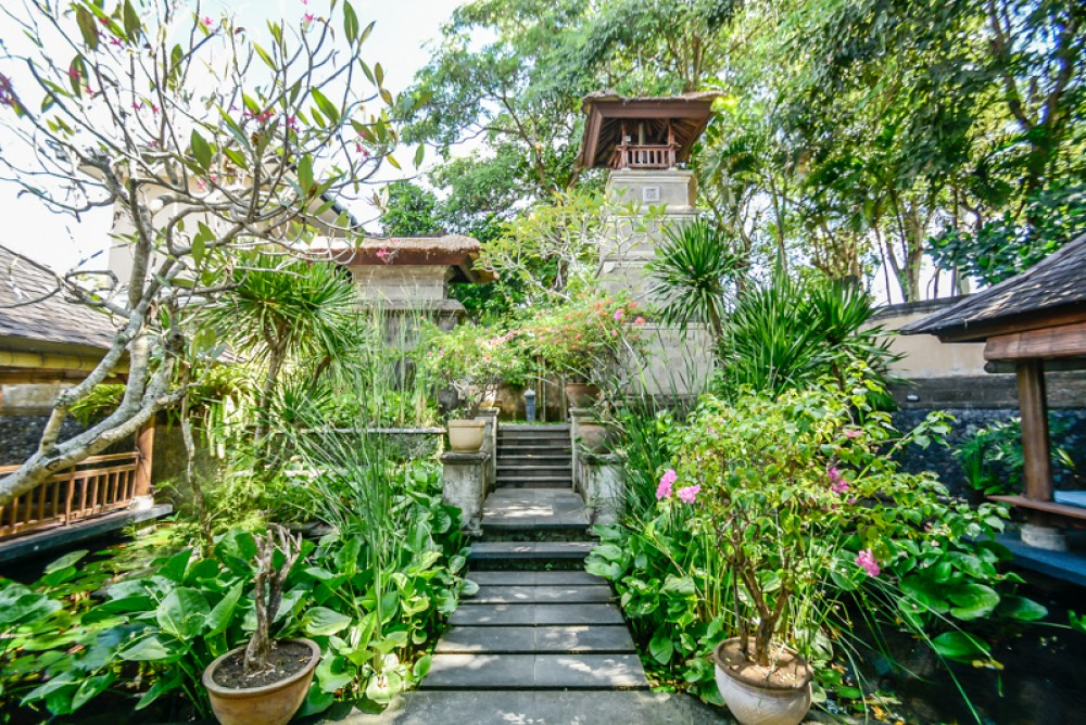 Exclusive Private Freehold Villa with Ocean view for Sale in Jimbaran