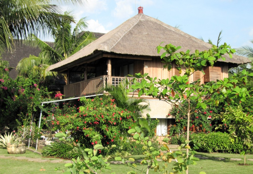 Amazing Freehold Villa with Spacious Land for Sale in Buleleng