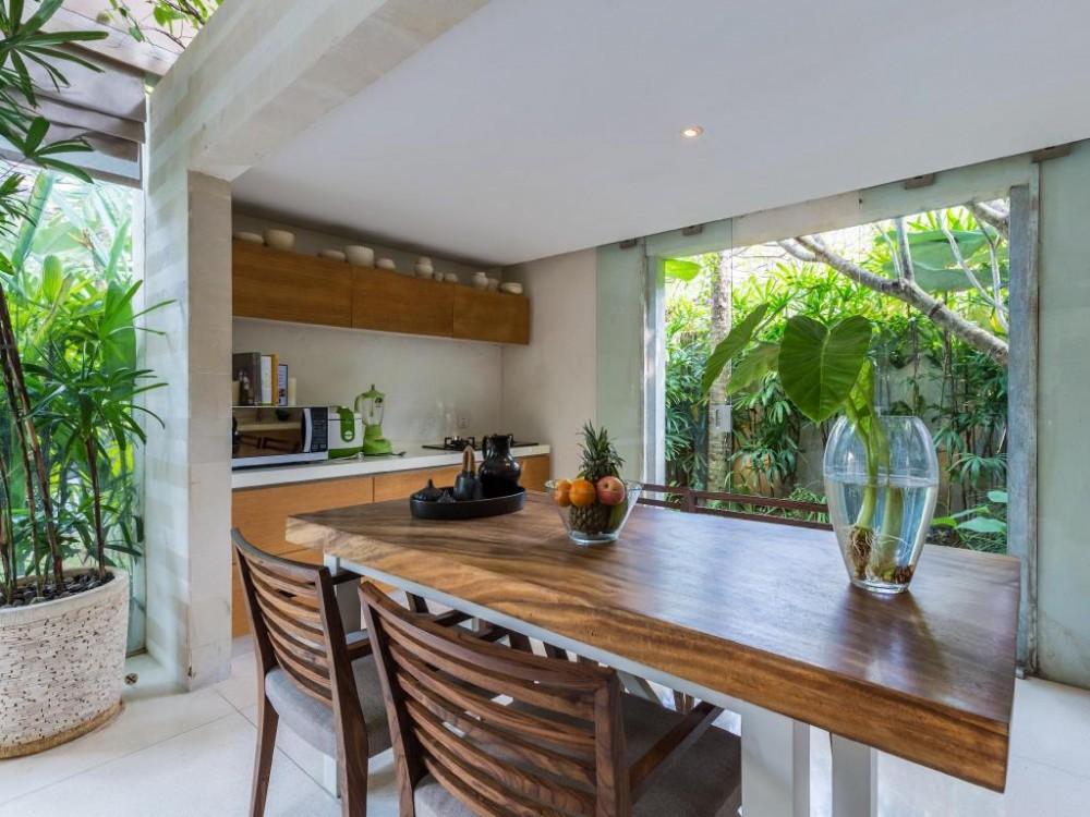 beautiful threebedroom villa in great area of batu bolong canggu