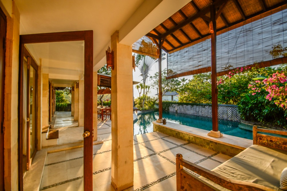 Charming Two Level Freehold Villa with good value for Sale in Bukit