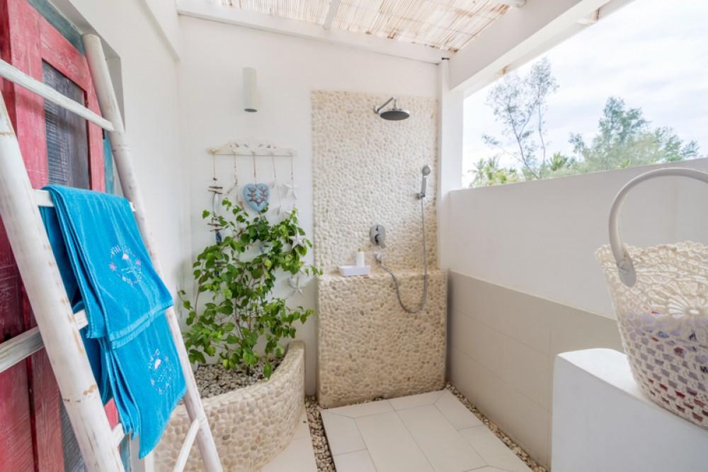 Modern Luxurious Beachfront Villa for Sale in Gili Trawangan