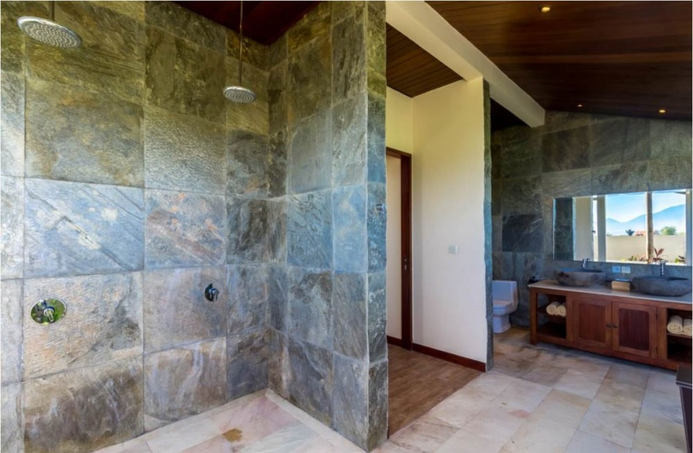 270 Degree Ocean View 4 Bedroom Freehold Quality Real Estate For Sale in Tabanan