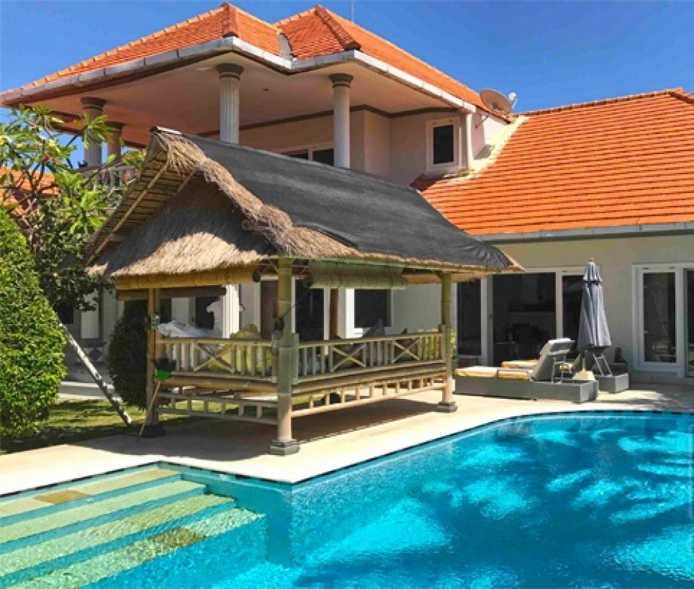 4 Bedrooms Freehold Ideal Family Real Estate For Sale in Sanur