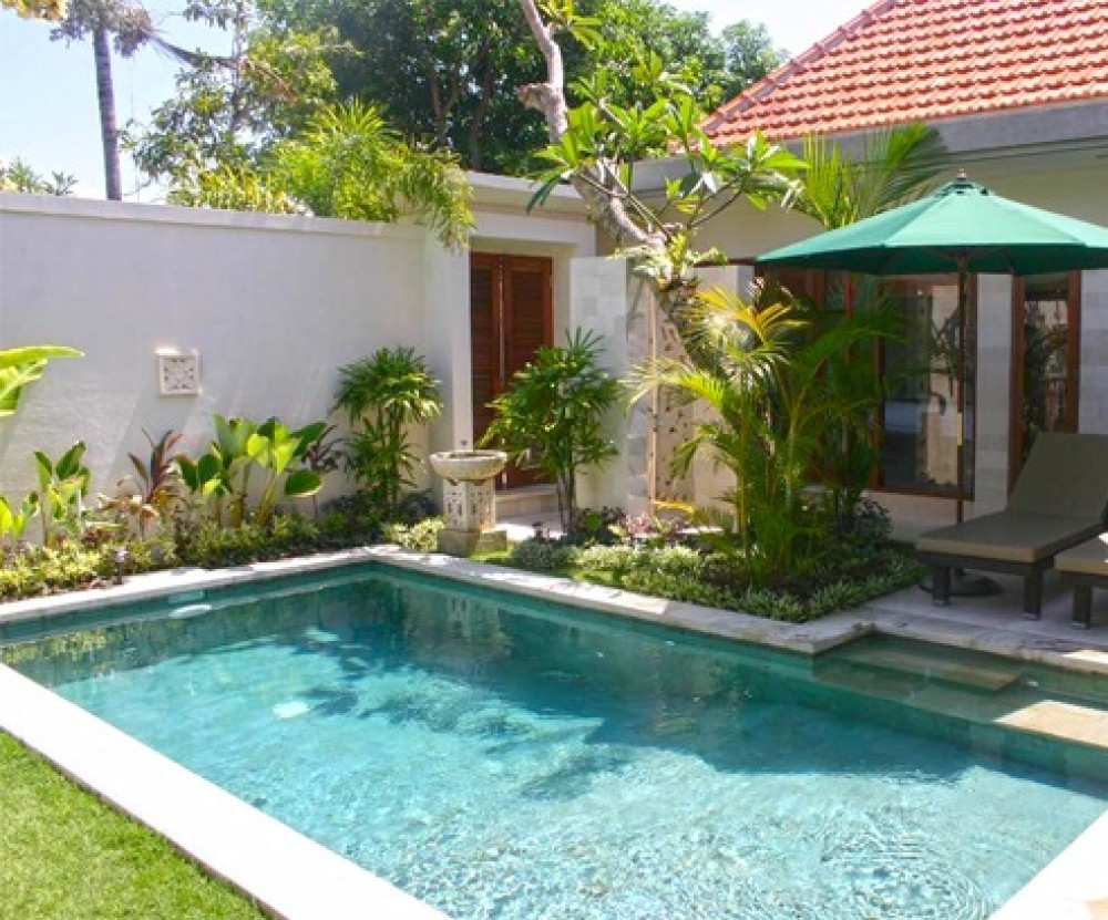 3 Bedrooms Delightful Tropical Beachside Leasehold Real Estate For Sale in Sanur