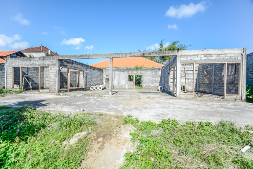 Great opportunity , long lease land with paddy views
