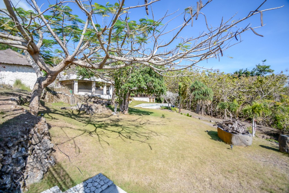 Investment or residential ocean view opportunity
