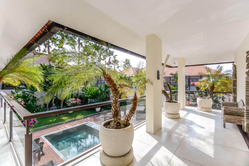 Incroyable villa de trois chambres à vendre dans un excellent emplacement de Seminyak