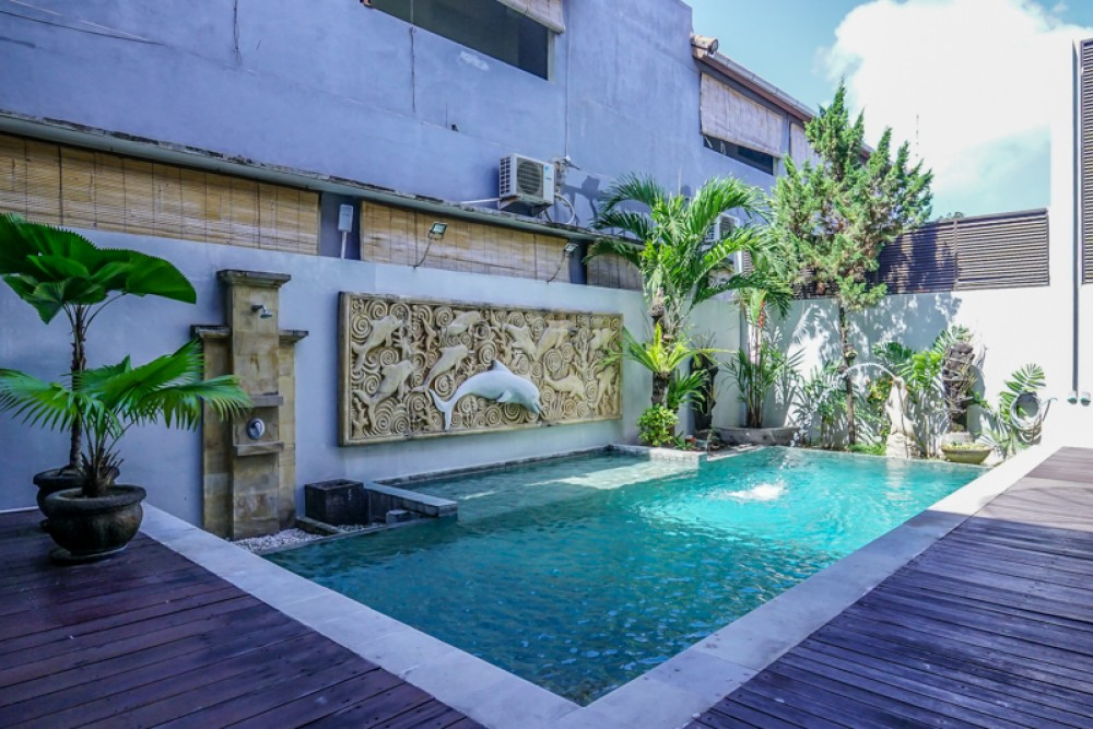 Beautiful Three Level Freehold Villa for Sale in Prime Location of Petitenget