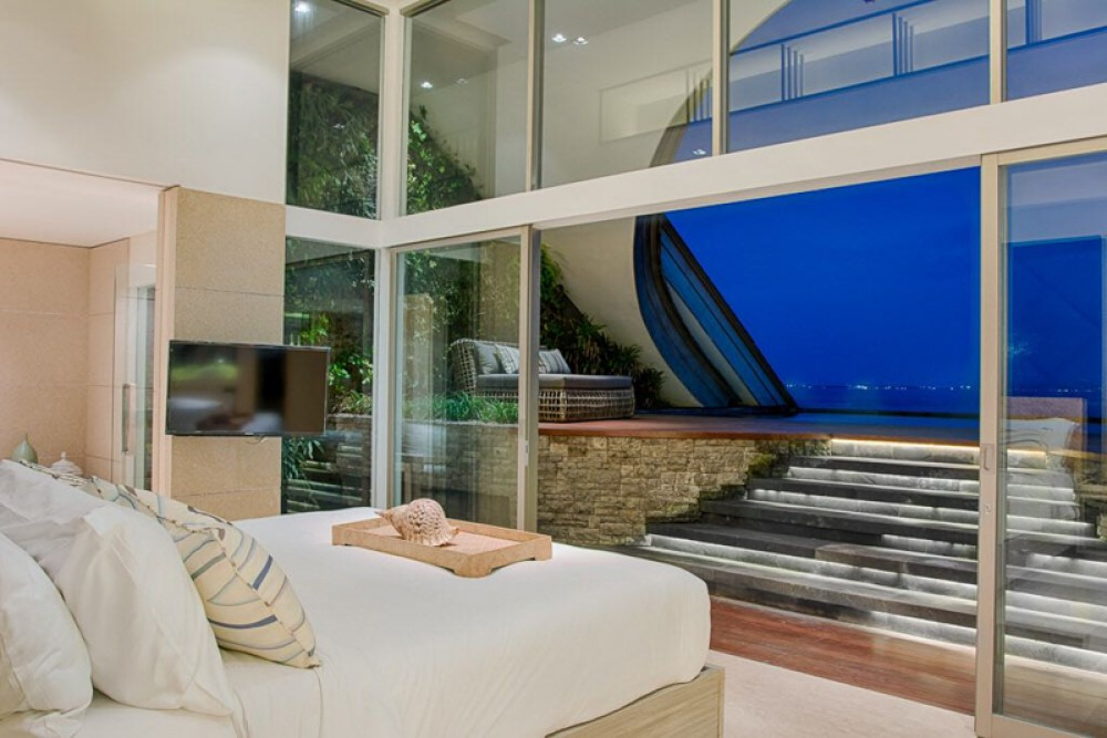 Amazing Three Bedrooms Penthouse for Sale with Ocean View in Echobeach